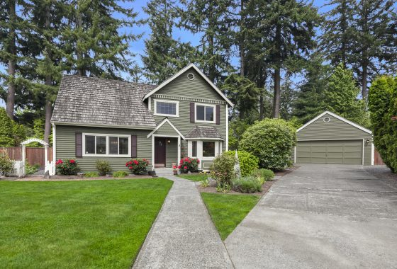 Front Yard at 16506 31st Dr SE, Bothell